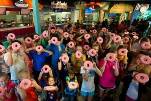 Got the Munchies after Riding? 10 Best Universal Orlando Snacks.: Number 2: Lard Lad Donut