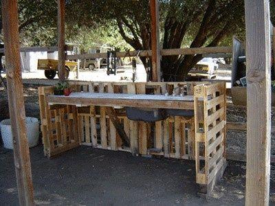 Pallet workstation: Workbenches, Work Benches, Pallets Workstation, Workstation Pallets, Gardens, Pallets Bar, Pallets Ideas, Old Pallets, Recycled Pallets