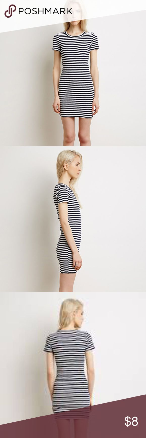 Forever 21 Navy & White Striped Bodycon Dress Very stretchy and flattering bodycon dress from Forever 21. It has navy blue and white horizontal stripes. It is in a size Medium. Ive only worn it once, and it is in great condition: Forever 21 Dresses Midi