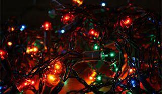 ΚΟΝΤΑ ΣΑΣ: Τι να προσέχετε στα χριστουγεννιάτικα λαμπάκια για...