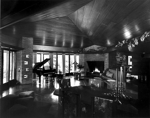 13 curated wright frank lloyd palmer house ideas by for Palmer house ann arbor