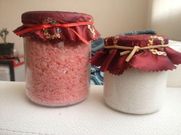 Sales de baño y body wash de leche de almendras, nueces y aceite de coco