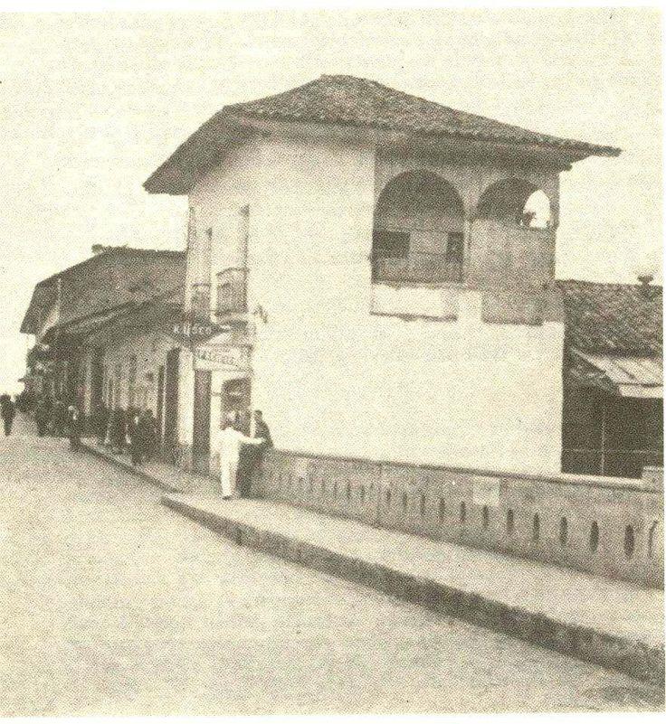 Guillermo Lopez: FASC puente ortiz antes de la av colombia — en Cali, Valle del Cauca. Casa del Español Juan Bush-