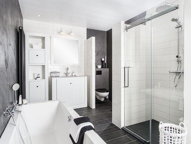 Het stoere betonstuc in antraciet op de wanden en het romantische Riverdale meubel zorgen voor een unieke combinatie aan stijlen. Met als resultaat een prachtige eigen-tijdse uitstraling. De badkamer straalt uit waar liefhebbers Riverdale van kennen.