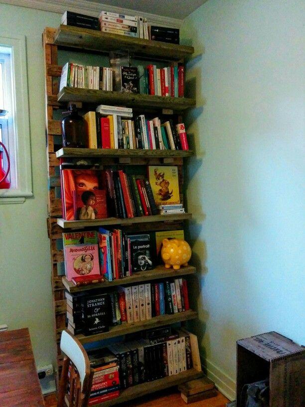 Bibliothèque en palettes de bois