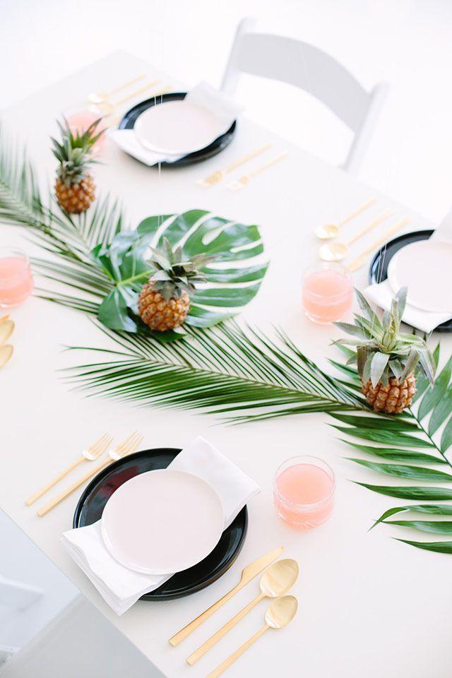 Pretty Palm Fronds Party Decor + DIY Decoupage Balloons! |