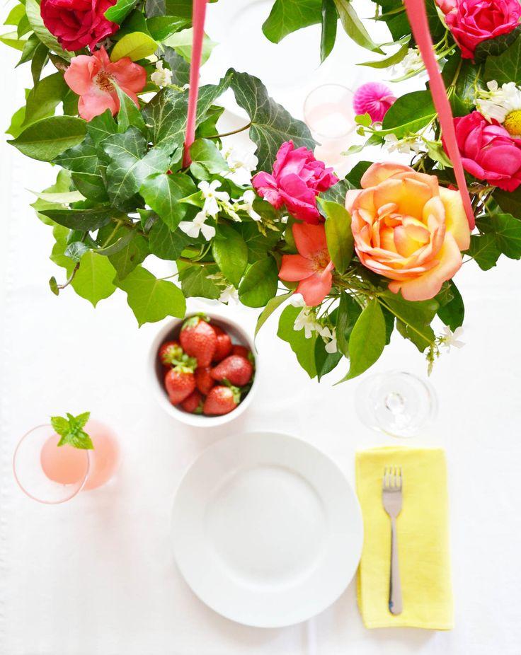 Centrotavola da appendere, per non occupare troppo spazio in tavola. Un'idea di Alessandra di www.gucki.it per il #blogcontestviridea di maggio 2015 #diy #green #centerpiece #flower #flowers #leaf #leaves #idea #inspiration