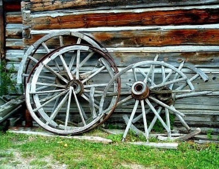 22 best old west stuff images on pinterest old wagons for Things to do with old wagon wheels