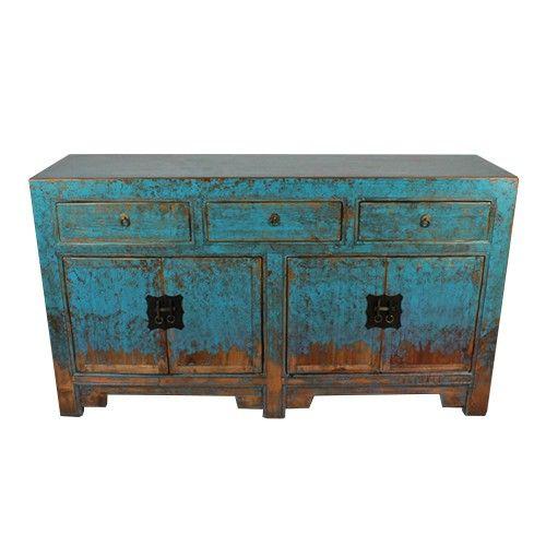 Authentiek Chinees dressoir, echt oud en opgeknapt en in een blauw jasje gestoken. Decoratief en functioneel; het heeft 3 laden en 4 deurtjes en twee planken. Afmetingen: L*B*H = 40*145*82cm