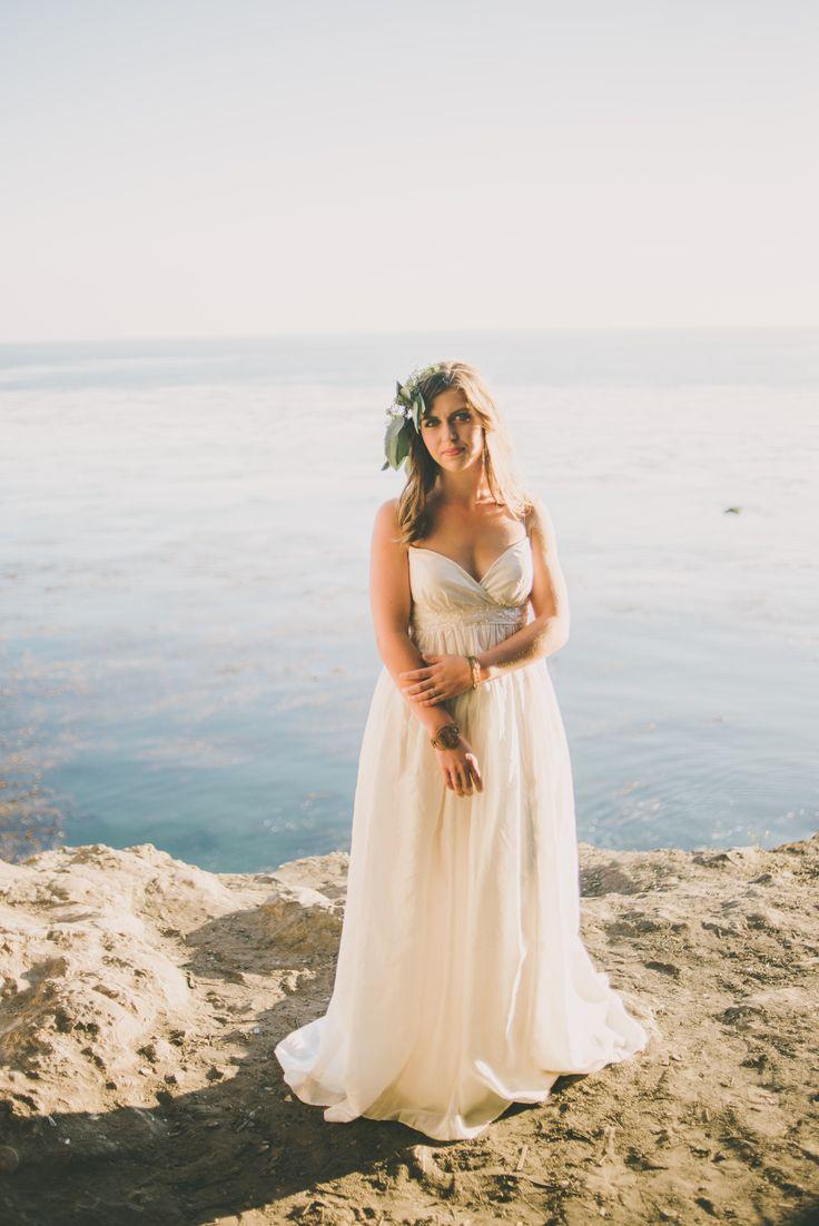 08828a272769ad19443e1a59cbac4e82  beach wedding dresses beach weddings - beach wedding make up