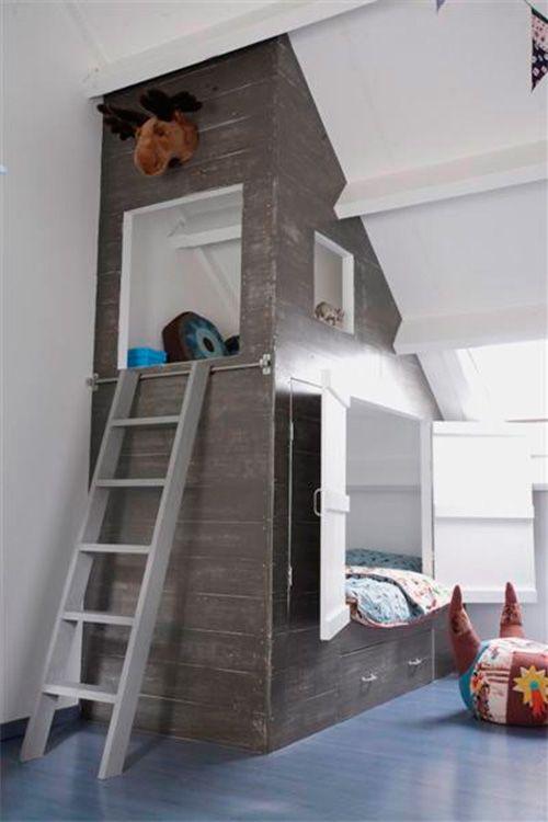 Great built-in bunk bed with nook in vaulted children's room