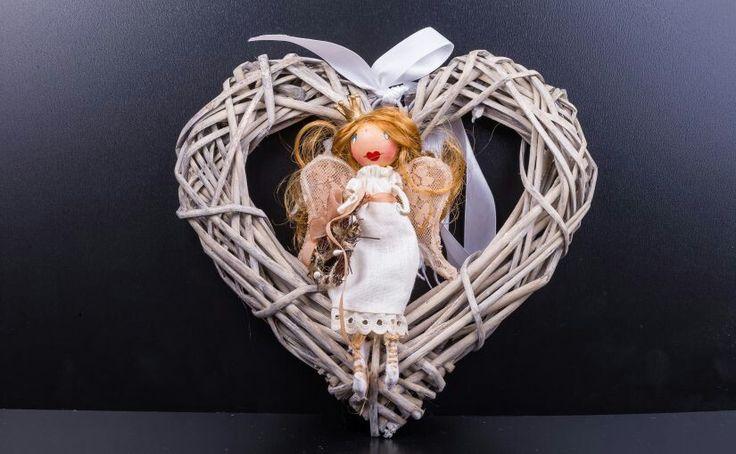 Un Craciun cu Ariel si Anastasia. Cozonac, miros de portocale si ...liniste! S-a lansat colectia de Craciun a fetelor de la Dollflowers. Vezi papusile pe emmazeicescu.ro #dollflowers #Craciun #handmade #emmazeicescuro
