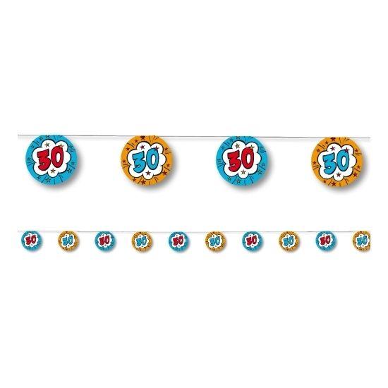 Slingers 30 jaar. Decoratie in de vorm van rondjes met het getal 30. De lengte van de slinger is 3,5 meter. De afmeting van een rondje is 18 x 25 cm. De lijn heeft 10 rondjes met 2 verschillende motieven. Kleur: blauw/oranje.