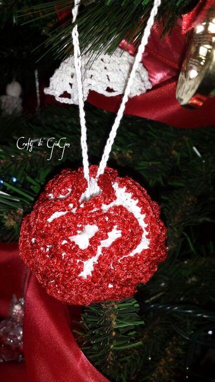Palla di natale arruffata all'uncinetto/ crochet ruffled Christmas ball