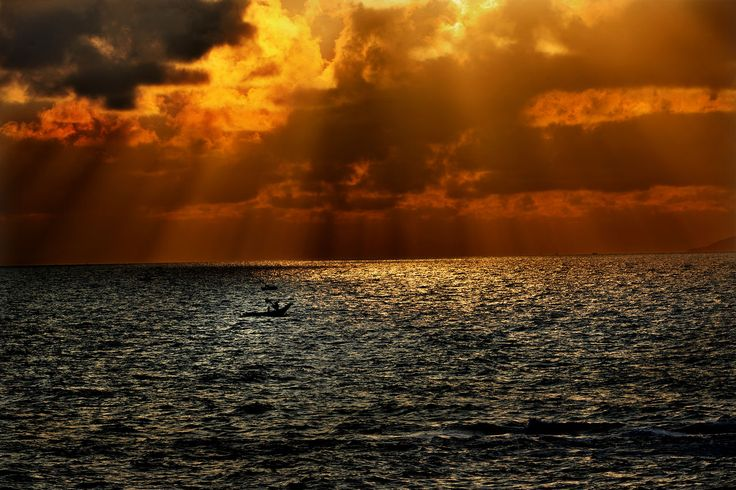 sea, sunset, beauty in nature, water, nature, scenics, horizon over water, tranquility, tranquil scene, sky, silhouette, rippled, idyllic, outdoors, no people, waterfront, cloud - sky, day