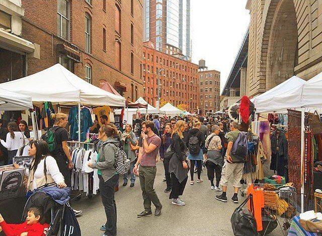 Brooklyn Flea Market, DUMBO (Anchorage Place @ Pearl Street, Brooklyn, NY), 14 Flea Markets & Street Fairs in NYC That You Absolutely Must Visit This Spring | spoiled NYC