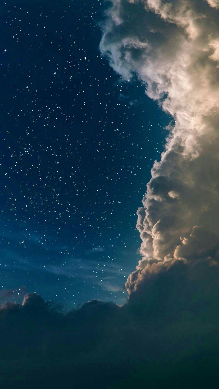 Krásna nočná obloha