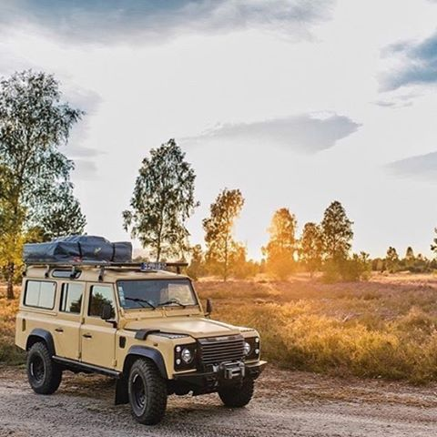 Land Rover Defender 110 Tdi Sw adventure camping.