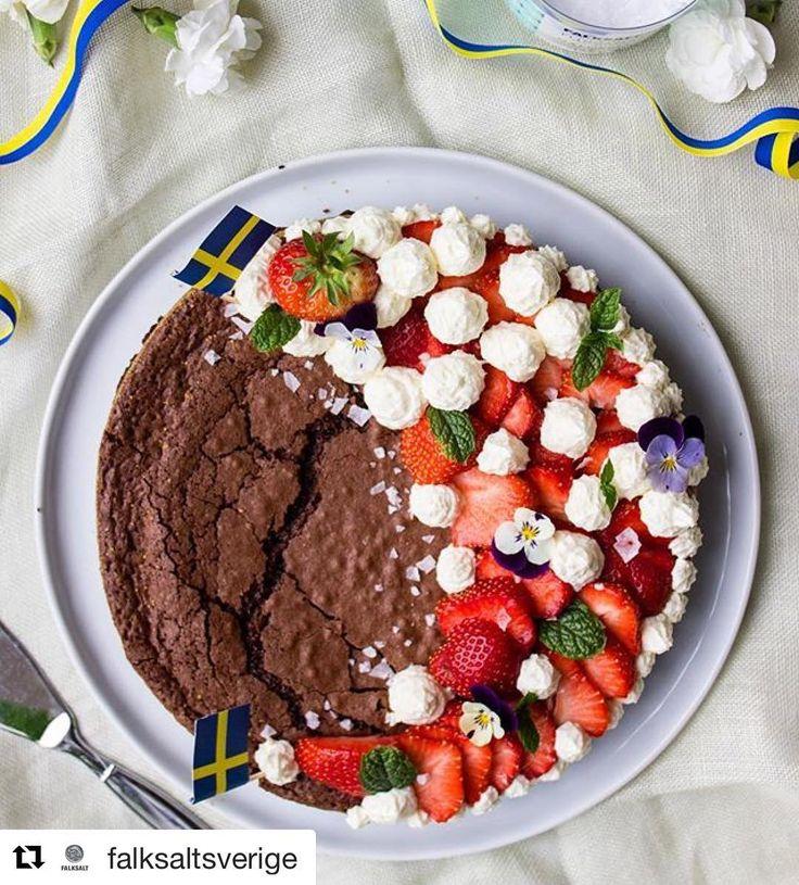 Tårta till nationaldagen - Kladdkaka med jordgubbar och flingsalt!