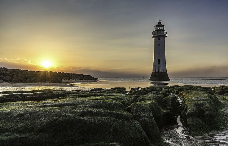 Richard, an amateur photographer, went back to the same spot where he started his photographic hobby to get this shot of Perch Rock Lighthouse in the United Kingdom. He ultimately clinched third place.