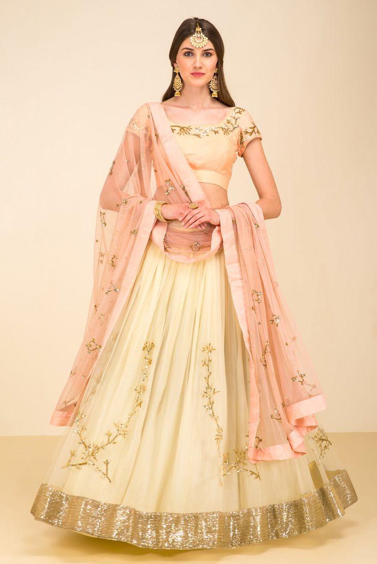 PRATHYUSHA GARIMELLA peach and yellow embroidered lehenga set #flyrobe#wedding#weddingoutfit#designerdress#designeroutfit#lehengacholi
