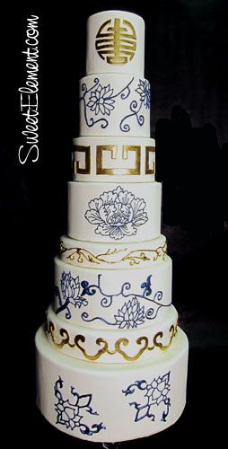 Stunning Chinese Pottery-Inspired Wedding Cake By Sweet Element cakes  ᘡղbᘠ