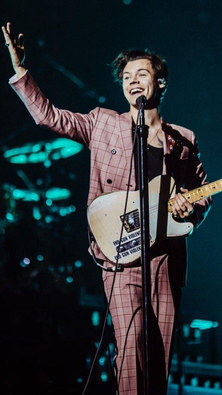 Harry Styles On Twitter Harry Styles Songs Harry Styles Photos Harry Styles Concert