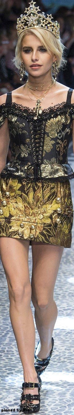 Dolce & Gabbana Fall 2017 RTW l Ria
