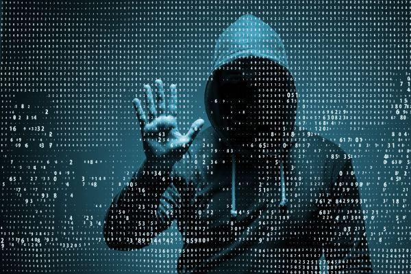 """""""Kdo si hraje nezlobí"""" - pokus hackera může skončit vězením: https://www.antivirovecentrum.cz/aktuality/osmnactilety-brit-priznal-ze-se-pokusil-hacknout-pocitac-sefa-cia.aspx"""