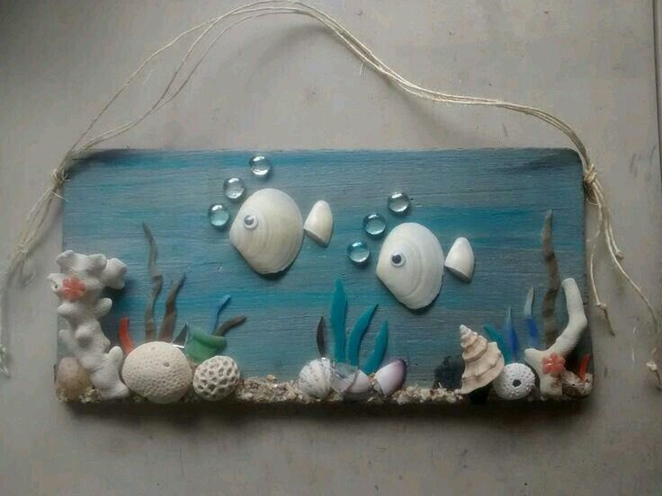Wall art witg shells and rock