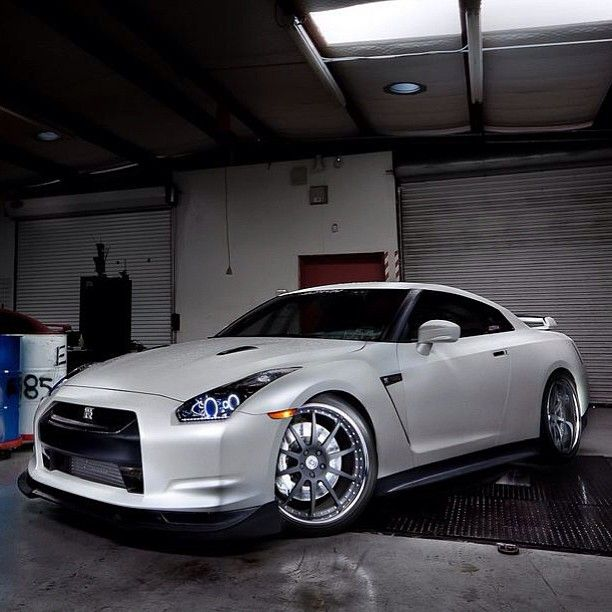 Awesome nissan GT-R owned by Kenny from JoTech