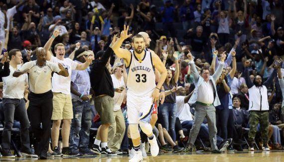Joueurs de la semaine : Marc Gasol préféré à Russell Westbrook -  Auteur de 7 triple double de suite, Russell Westbrook n'est pas parvenu à arracher un nouveau trophée de Player Of The Week. À sa place, la NBA lui a préféré… Lire la suite»  http://www.basketusa.com/wp-content/uploads/2016/12/gasol-wizards-570x325.jpg - Par http://www.78682homes.com/joueurs-de-la-semaine-marc-gasol-prefere-a-russell-westbroo