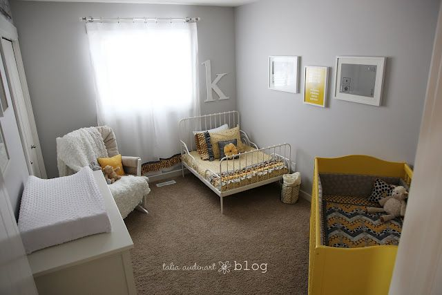 Some cute ideas for a shared newborn/toddler room!