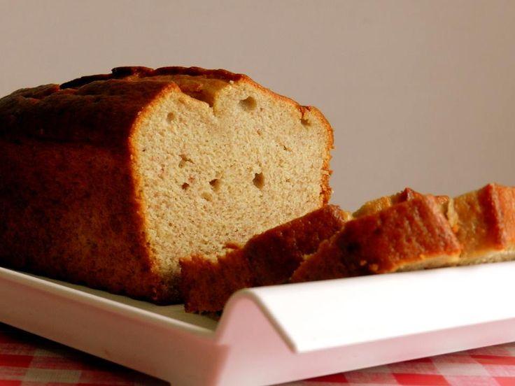 aprenda como fazer esse delicioso e super prático bolo de banana sem glúten de liquidificador do site Pitadinha