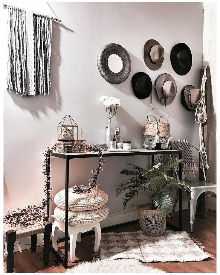Hat Wall, mur de chapeaux,