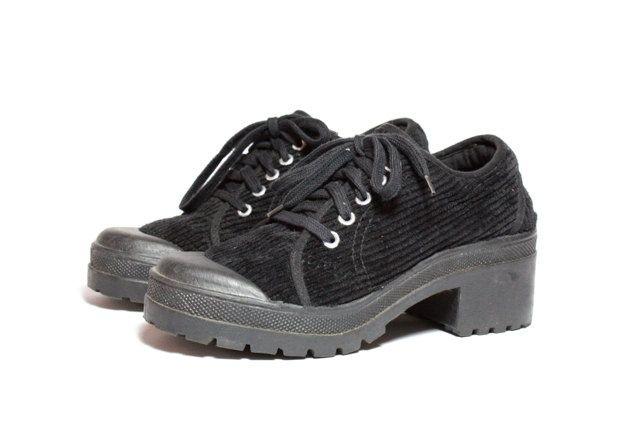 ivory oxford brogues shoes cuban heel  FREE par goodbyefolk sur Etsy, $225.00
