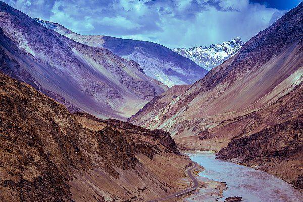 Kaschmir, Indien | DAS MINISTERIUM DES ÄUSSERSTEN GLÜCKS - ein Roman über das moderne Indien ... mehr darüber auf femundo.de