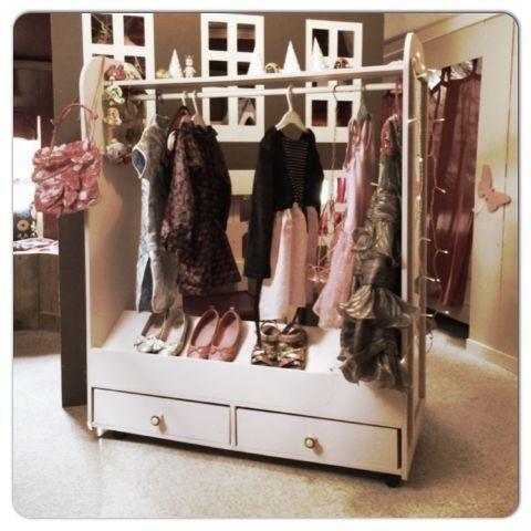 Dress-Up kast van QB | Meisjeskamer | Ziezoo! Kinderlifestyle en Design  www.ziezoo.com