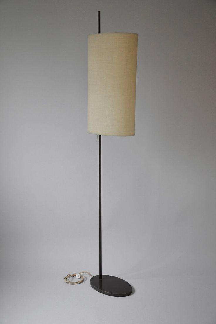 Arne Jacobsen (1902-1971). Floor lamp. Edited by Louis Poulsen, 1st edition, designed in 1956 for SAS Hotel, Copenhagen. #ArneJacobsen