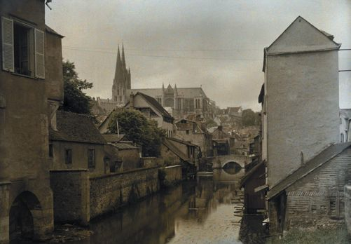 Chartres, Centre. A town on the banks of the Eure and the cathedral in the distance. Photographer: JULES GERVAIS COURTELLEMONT