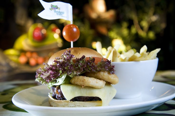 We all know Dad's love a burger... so why not bring them to try our Rainforest Cafe Classic Steak burger! 8oz 100% beef burger piled high with relish, cheddar cheese, salad & onion rings! Father's Day 2015!