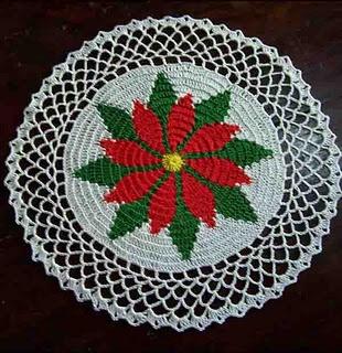 Poinsettia Doily: Christmas Crochet, Free Pattern, Free Crochet, Doily Patterns, Crochet Christmas, Poinsettia Doily, Crochet Doilies, Crochet Patterns, Crochet Doilys Tatting Lace