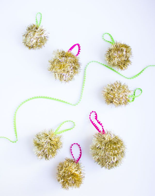 DIY Tinsel Garland Ornaments - a modern use for old-school tinsel garland!