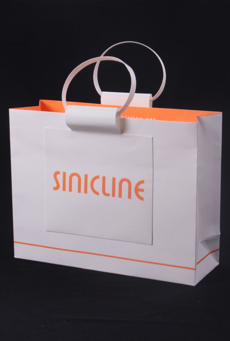 Custom packaging bag with paper handles by Sinicline #paperbag #packaging Follow @sinicline for more packaging bag design inspiration