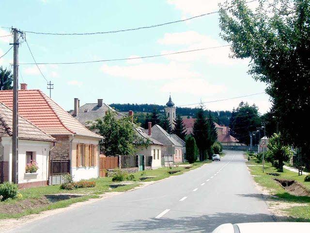 Balkonybél, Hungary