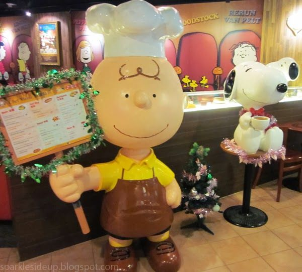 Snoopy themed restaurant, Charlie brown cafe hong kong review, so cute!