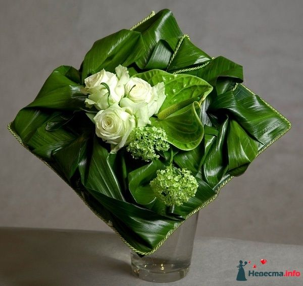 Floral Art  www.tablescapesbydesign.com https://www.facebook.com/pages/Tablescapes-By-Design/129811416695
