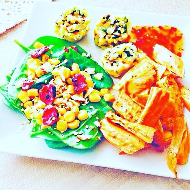 "24 mentions J'aime, 3 commentaires - 🎀Blogueira🎀 (@lena__gomes) sur Instagram : ""Boa apetite! #comidaboa #comidasaudavel #veganfood #vegetarian #vegetariano #vegan #deliciousfood…"""