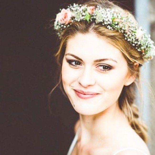 Nicht nur für Sommerbräute: Ein Blumenkranz für die Haare zum Selbermachen