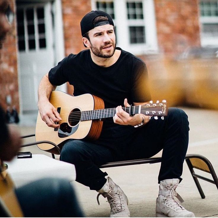 Whew.Sam Hunt is a newly-married man but that doesn't mean we can't still bask in his gorgeousness. His smile, body, talent, and jawline are enough to make any girl fall in love